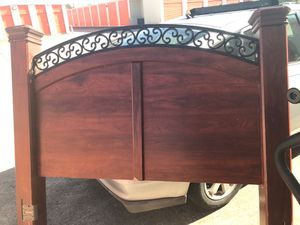 Queen Headboard (only) Great Condition for Sale in Houston, TX