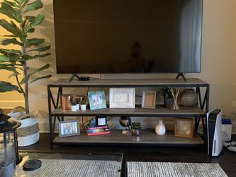 Tv Stand And Coffee Table for Sale in Long Beach,  CA