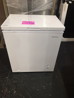 3.5 INSIGNIA Chest Freezer for Sale in Los Angeles, CA