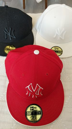 NY Yankees 59FIFTY Fitted Caps 7 1/4 - NEW for Sale in Miami, FL
