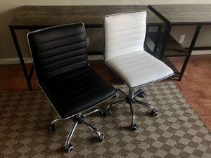 Modern mid back office swivel chair (black / white) for Sale in Seattle, WA