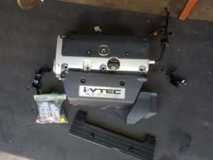 Valve cover with gasket and trim covers for Sale in Anaheim, CA