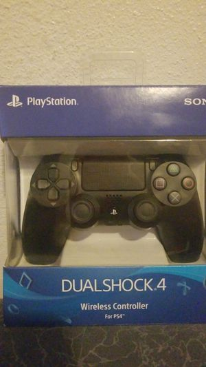 Ps4 control Black for Sale in Los Angeles, CA