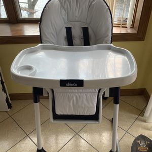 Chicco Baby High Chair for Sale in Nashua, NH