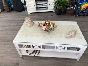 Coffee Table - Credenza - console Table for Sale in FL, US