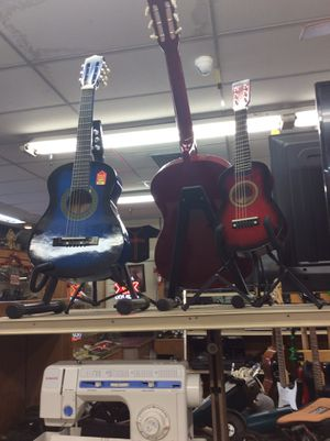Acoustic guitars for Sale in Fresno, CA