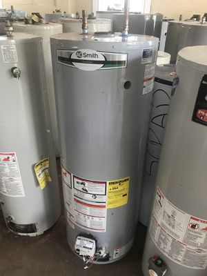 50 gallon gas hot water heater (discounted) 🤗 for Sale in Cleveland, OH