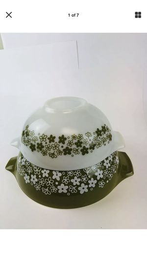 Crazy daisy/spring blossoms Cinderella bowls for Sale in Cleveland, OH