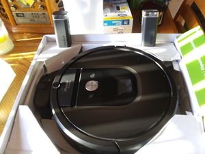 This is the Roomba 980 like new mint condition for Sale in HOFFMAN EST, IL