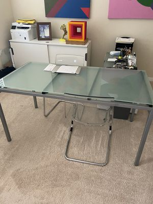 Glass office table for Sale in Orlando, FL