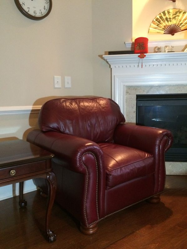 Price Reduced Thomasville Benjamin Leather Sofa With Chair For Sale In Cary Nc Offerup