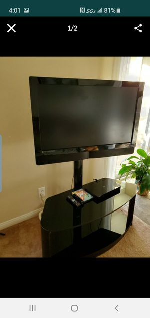 Vizio tv and stand for Sale in Irvine, CA