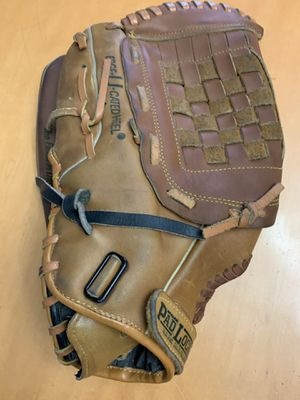 """14"""" ADULT RAWLINGS SOFTBALL GLOVE $25 for Sale in Cleveland, OH"""