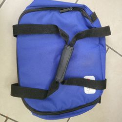 Pyrex Portables Blue 2.5 Quart Dish Insulated Bag Hot Cold Travel Carrier Only for Sale in Orlando,  FL