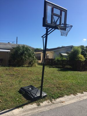 Basketball hoop for sale for Sale in Saint Petersburg, FL