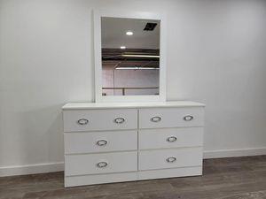 Dresser with mirror - Cómoda con espejo for Sale in Miami, FL