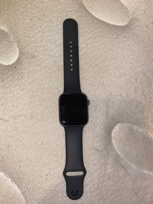 apple watch series 4 - 44mm for Sale in Bloomer, WI