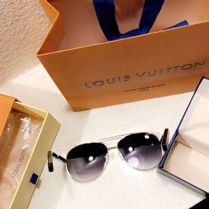 Louis Vuitton WAIMEA Sunglasses In Black for Sale in Houston, TX
