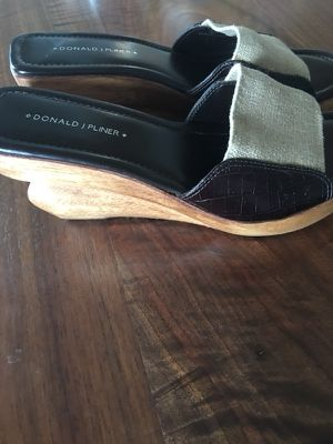Donald Pliner wedge sandal size 9 for Sale in Traverse City, MI