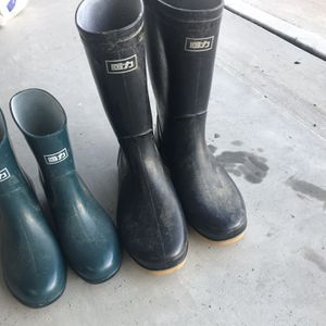 2 Rain boots,size 9.5 6.5 for Sale in Cumming, GA
