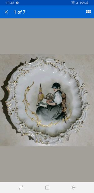 France Porcelain Depose T&V Souvenir Beautiful woman reading Plate RARE mint for Sale in Milford, CT