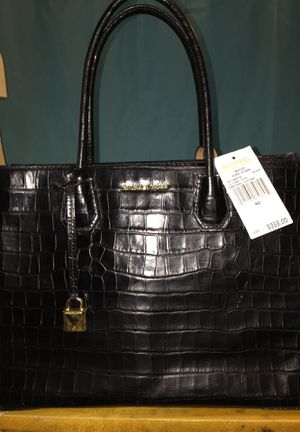 2 Michael Kors purses for Sale in Buffalo, NY