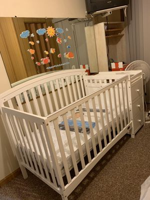 Baby crib for Sale in Snellville, GA