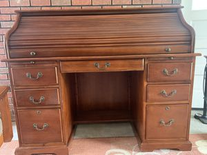 Solid Cherry oak desk. Pick up only. for Sale in Hopwood, PA