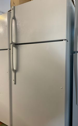 GE TOP BOTTOM👆🏽👇🏽FREEZER PERFECT CONDITION for Sale in Costa Mesa, CA