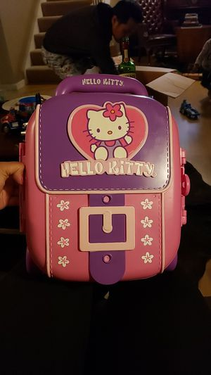 New toddler Hello Kitty plastic luggage for Sale in Hayward, CA