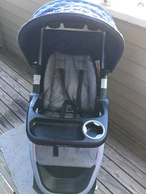 Eddie Bauer Car seat and Stroller set for Sale in Omaha, NE