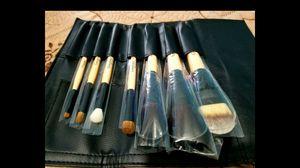 Makeup brush set for Sale in Lakewood, CA