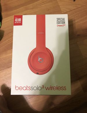 Brand new beats solo 3 wireless I had a pair and was not reason for these so selling them work great with iPhone for Sale in Pembroke Park, FL