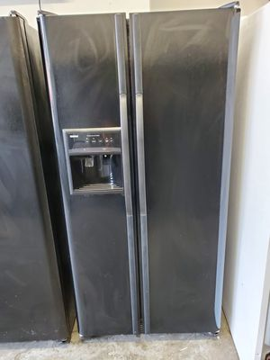 Refrigerator Kenmore 33inches wide for Sale in Lawrenceville, GA