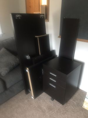 Desk and matching file cabinet for Sale in Clinton, MD