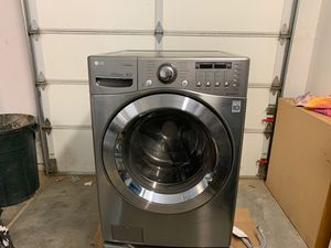 LG Clothes Washer for Sale in Phelan, CA