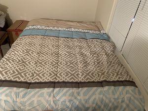 Queen bed for Sale in Colorado Springs, CO