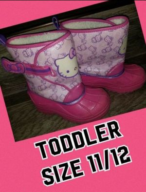 Snow boots toddler size 11/12 for Sale in Fontana, CA