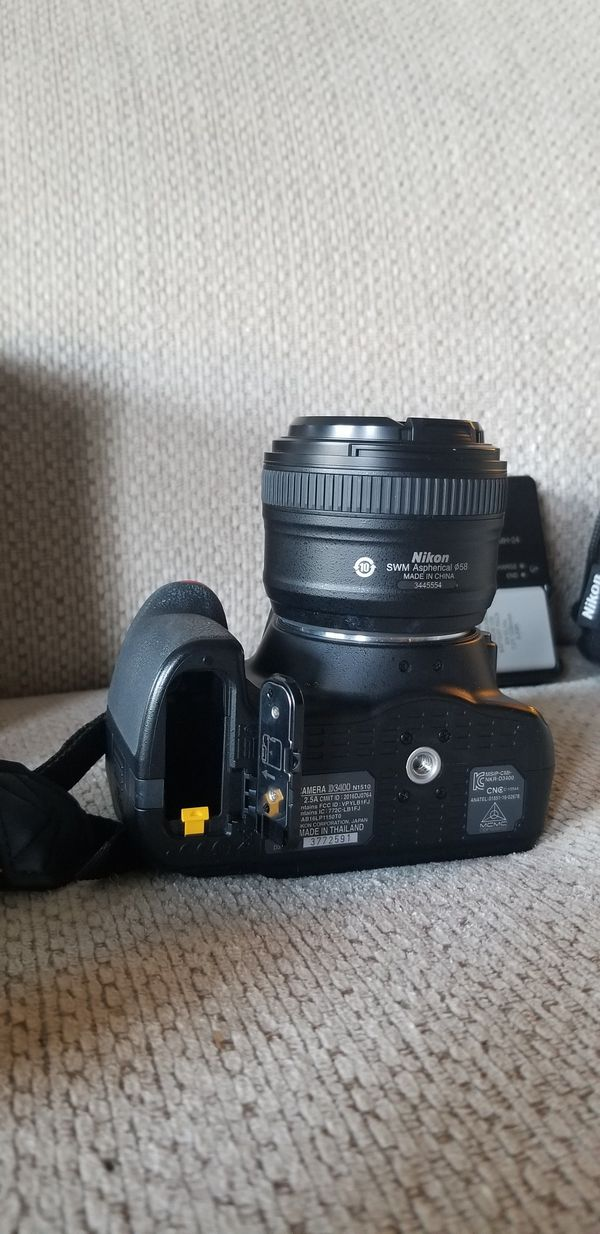 Nikon D3400 15-55 VR kit. Bought recently, lightly used by one owner. Comes with all pictured