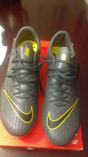 Tachones nuevos size 8 de hombre marca Nike new never used for Sale in Baldwin Park, CA
