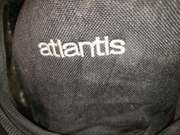 Atlantis boots and Oracle snowboard
