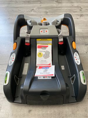 Chicco Keyfit30 and Keyfit infant car seat base for Sale in Bellflower, CA