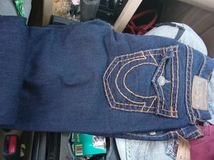 Tru religion size 34 for Sale in Madera, CA