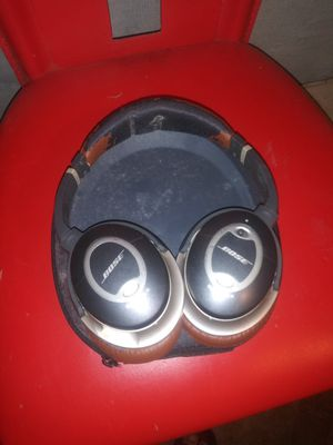Bose HeadPhones with carrying Case High quality sound ! for Sale in Brockton, MA