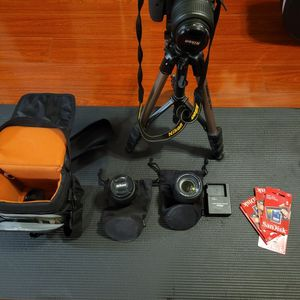 Nikon D5300 DSLR Camera for Sale in Lynnwood, WA