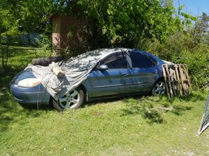 2007 Ford Taurus for parts for Sale in Dallas, TX