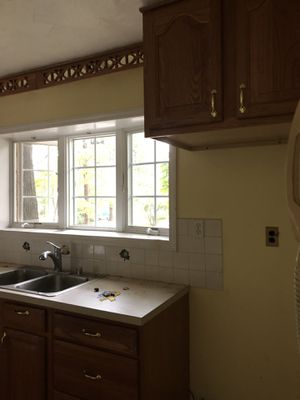 Kitchen cabinets for Sale in Glen Burnie, MD