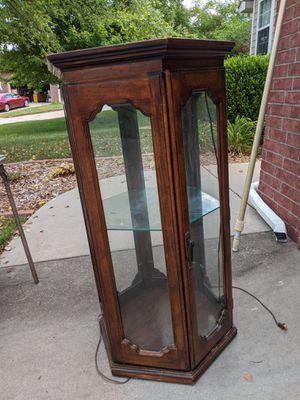 Antique Light up curio cabinet for Sale in Wichita, KS