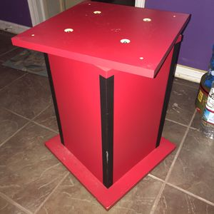 Turning display table for Sale in Baton Rouge, LA