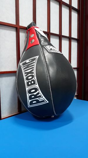 Pro boxing speed bag for Sale in Elk Grove, CA